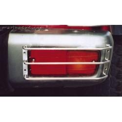 PROTECTION FEUX ARRIERE NOIR SUR P/CHOC NISSAN PATROL GR - 1993 ( X2 )