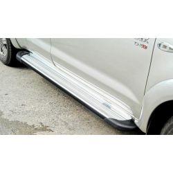Jeu de marche pieds en aluminium pour TOYOTA Hilux (Vigo) double cabine (4 portes, 4 places)